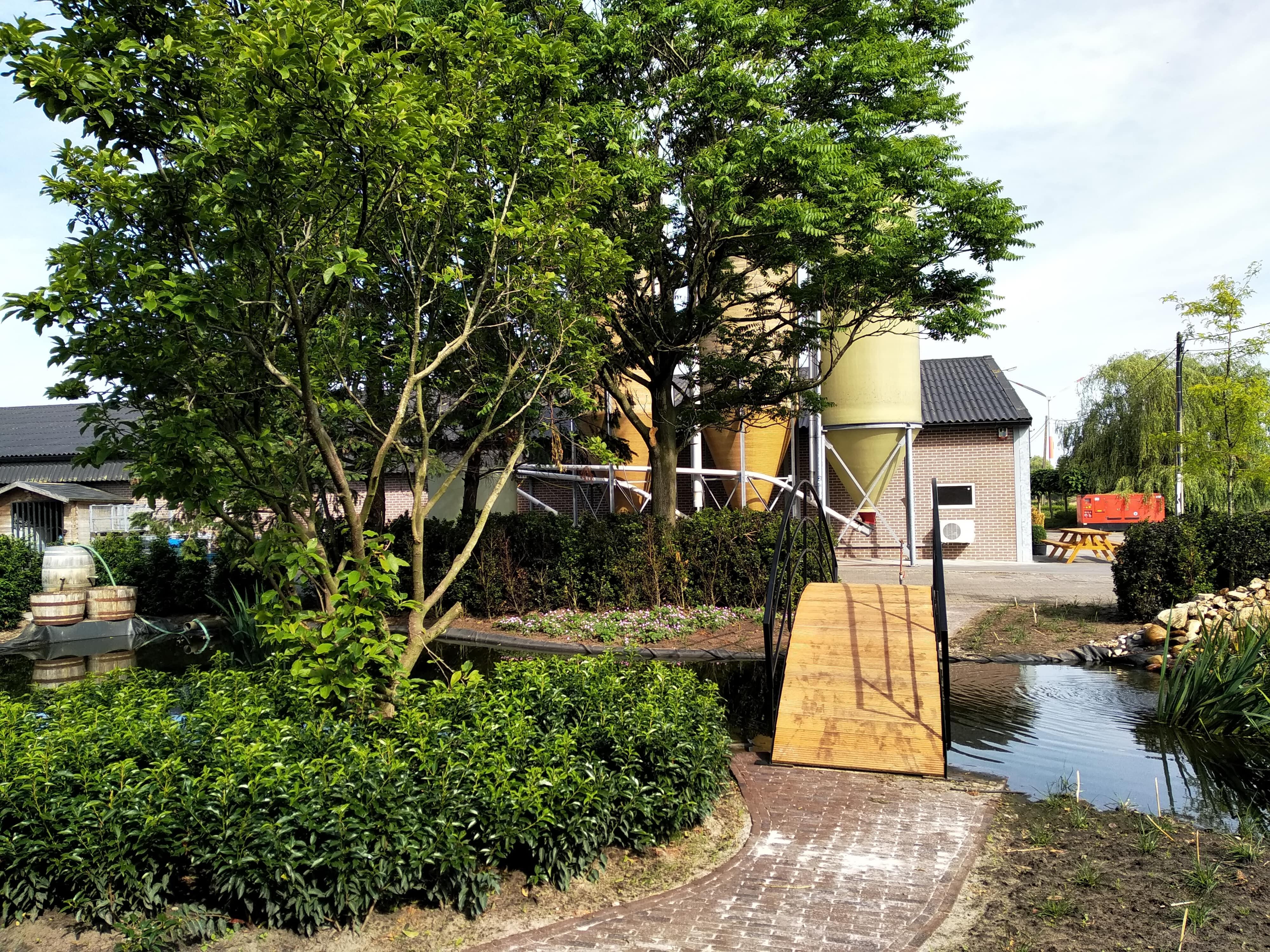 Boerderijtuin te Meer - Cis Van der Linden Tuinaanneming en -Architectuur